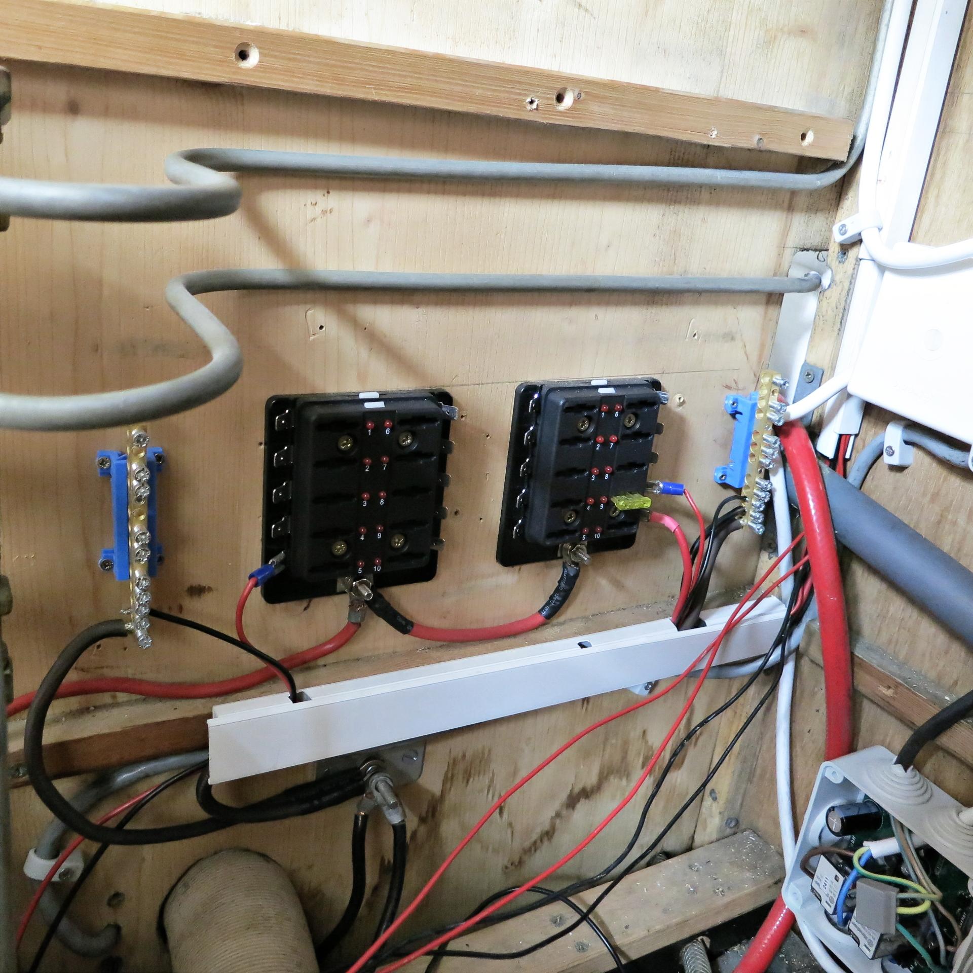 Ziemlich Wohnmobil Elektroinstallation Fotos - Elektrische ...