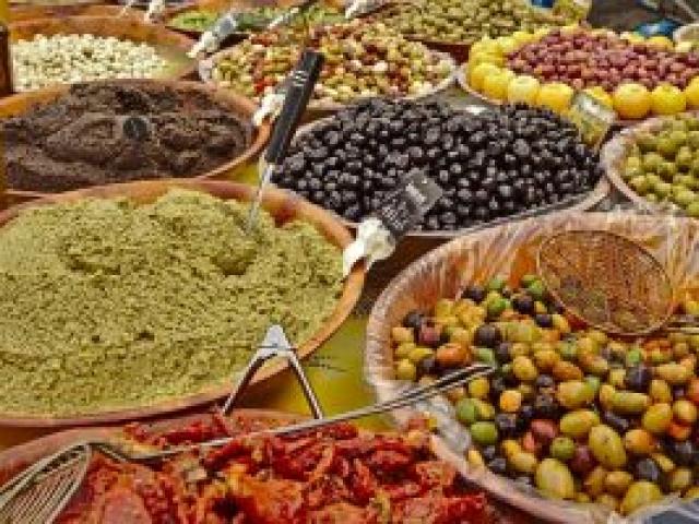 24 Markt in Sommières