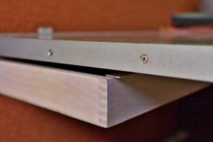 Schublade am Tisch