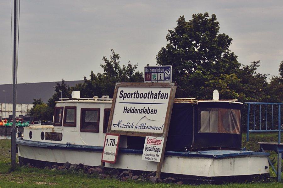 Sportboothafen Haldersleben Einfahrt