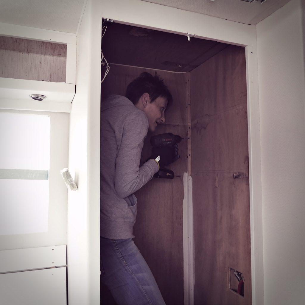 Arbeiten im Schrank