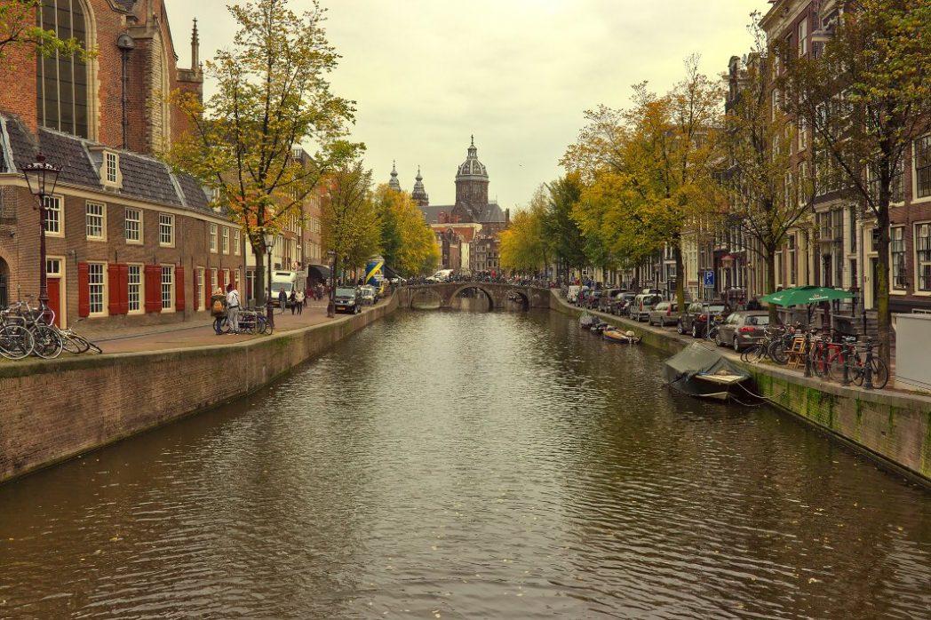 Amsterdam mit Fahrrad und ÖPNV