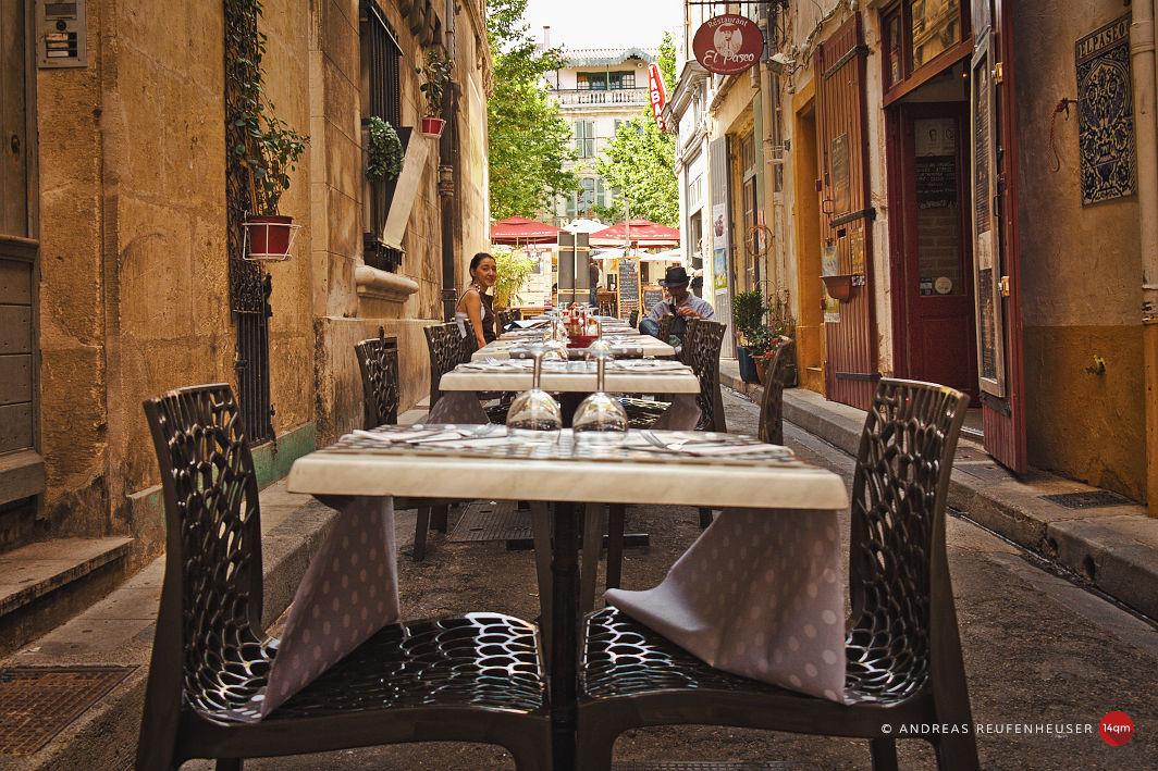 Mittagstisch in Arles