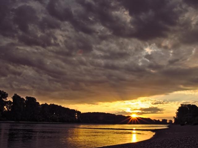Sonnenaufgang in Speyer