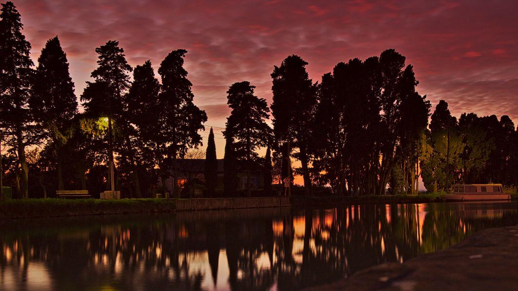Sonnenuntergang am Kanal in Le Someil