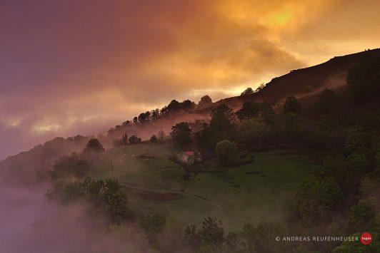 03a Sonnenaufgang im Tal von Aldudes