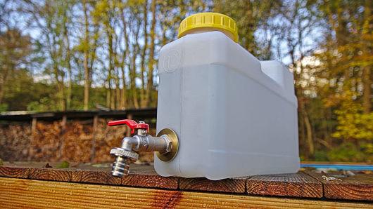 Wohnmobil Packliste - Wasserkanister mit Hahn für Trinkwasser