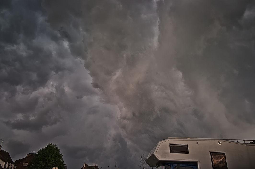 Unwetter über Montreuil