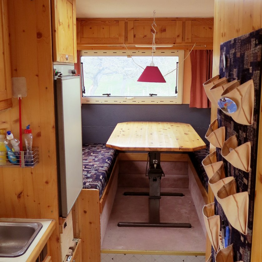 das wohnmobil von 14qm alle details und einzelheiten 14qm. Black Bedroom Furniture Sets. Home Design Ideas