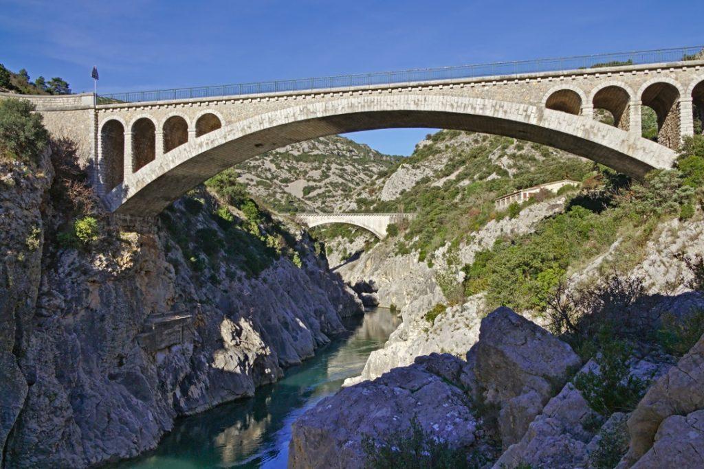 27b Die Pont du Diable (Brücke des Teufels) am Ende des Gorges de l'Hérault