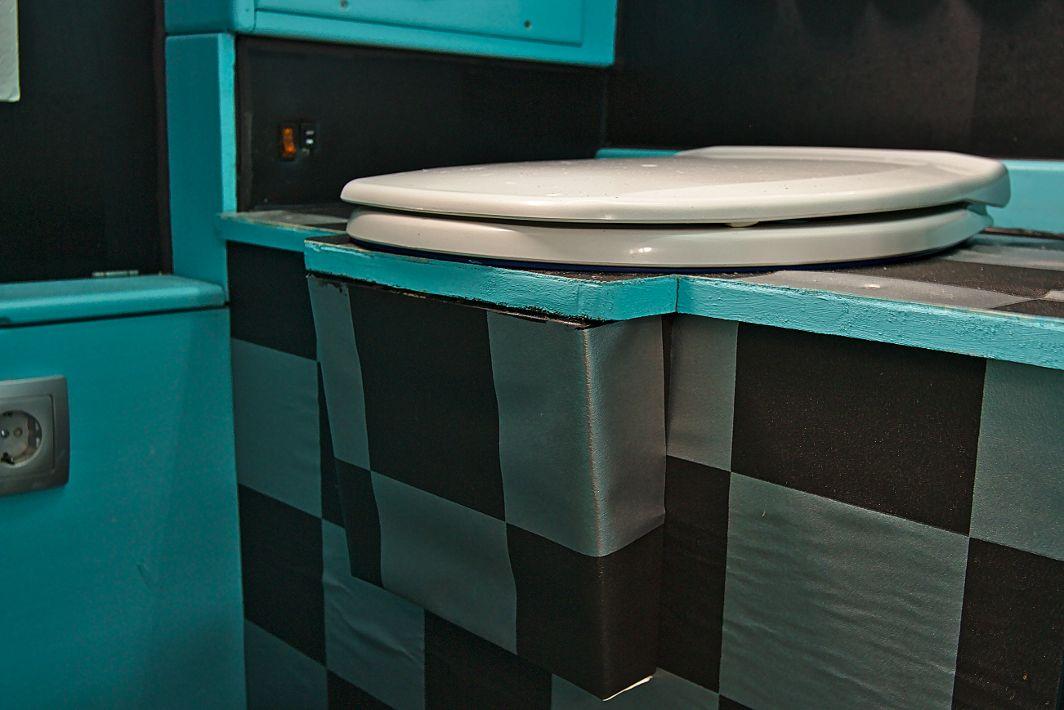 umbau von kassettentoilette thetford c2 auf. Black Bedroom Furniture Sets. Home Design Ideas